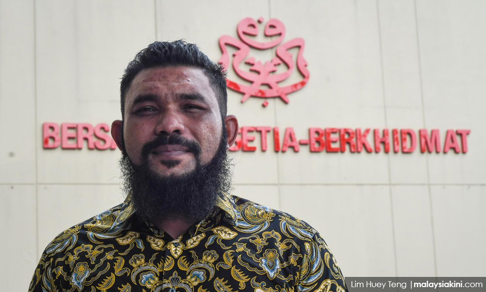 Pdrm Arrests Controversial Blogger Papagomo Over Probe Into Alleged Racist Video - World Of Buzz